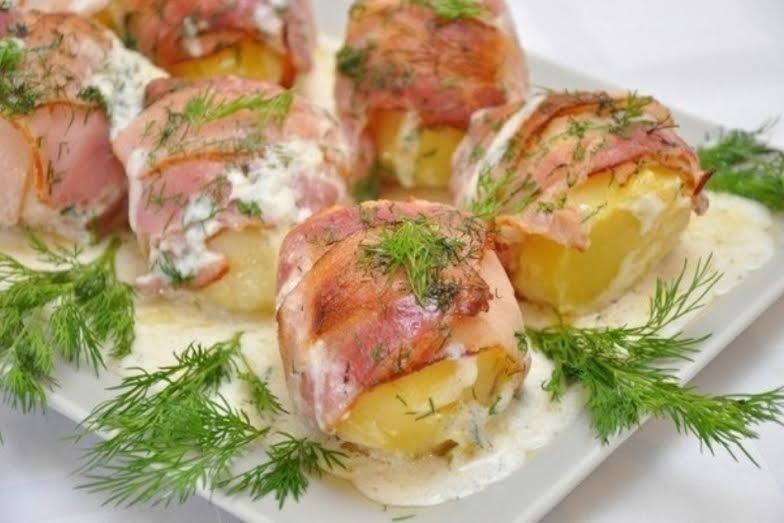 Картошка в беконе: классический рецепт